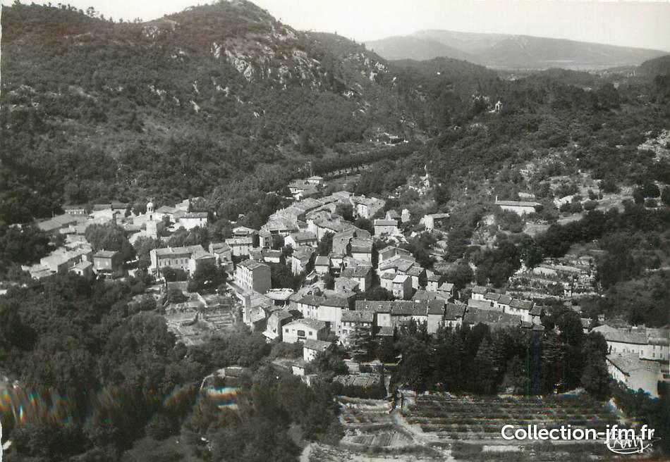 Le village de Méounes vers 1970